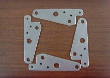 चीन sheet metal plate stamping / cutting for customized spring clip / bracket आपूर्तिकर्ता